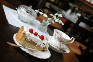 afternoon tea and cake 400x